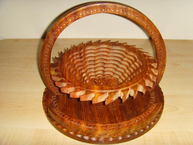 Picture 3 of 10  Sun shape basket